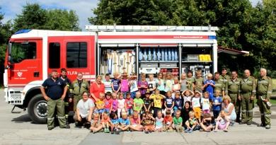 Kinderbesuch bei der Feuerwehr Olsach-Molzbichl