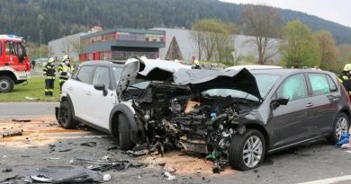 Verkehrsunfall – mehrere Verletzte